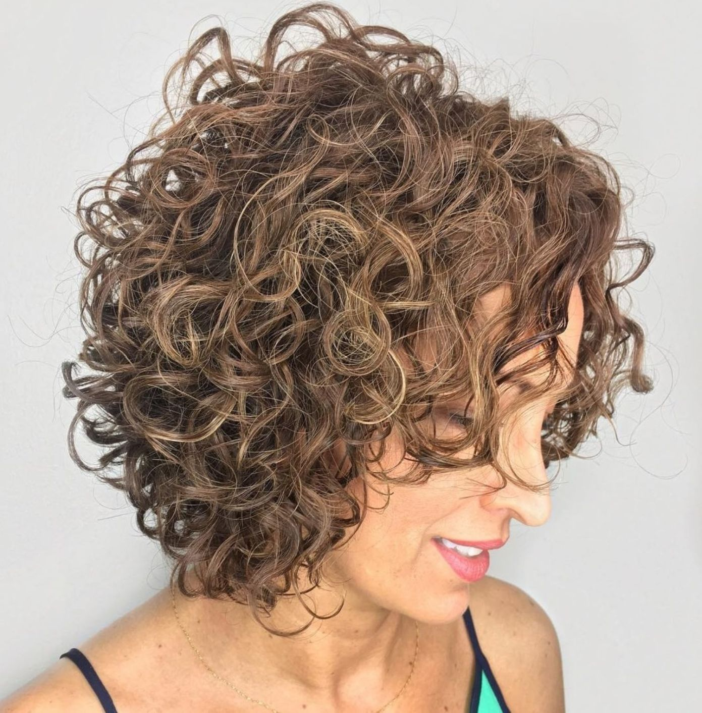 65 Different Versions of Curly Bob Hairstyle   Curly bob hairstyles, Bob hairstyles, Curly bob