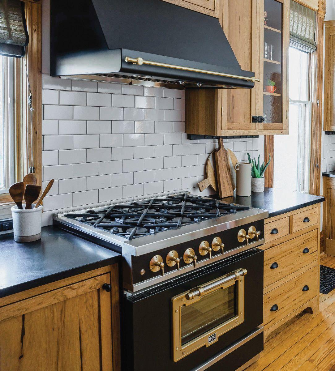 Hickory In A Retro Kitchen Retro Kitchen Hickory Cabinets Kitchen Design
