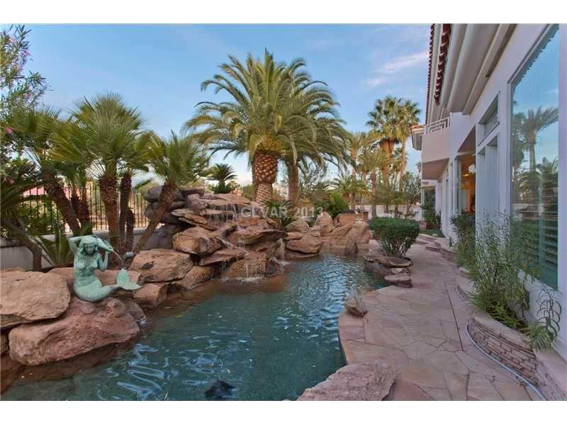 Pin on Las Vegas Pool Homes