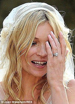 Kates engagement ring has increased in value 10 TIMES Kate moss