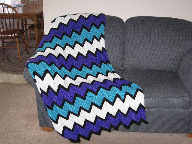 My fave color combo! http://www.ravelry.com/patterns/library/ripple ...