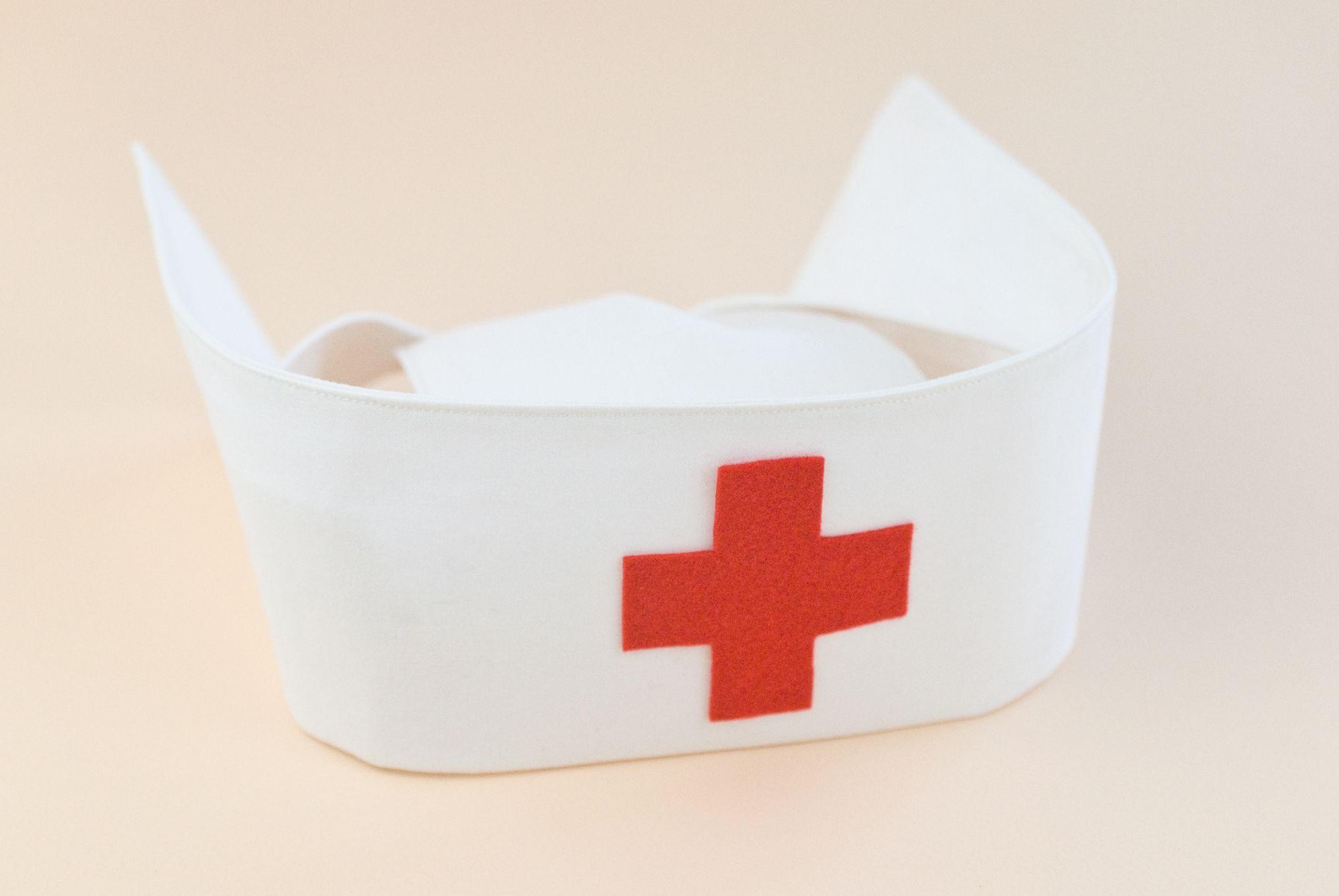 How To Make A Nurse S Hat Hat Patterns To Sew Nurse Hat Diy Nurse Costume