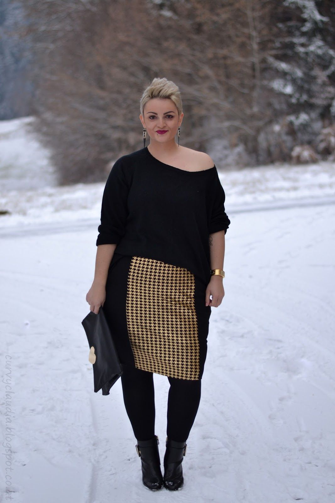 Plus Size Fashion - Curvy Claudia: Black and Gold ...