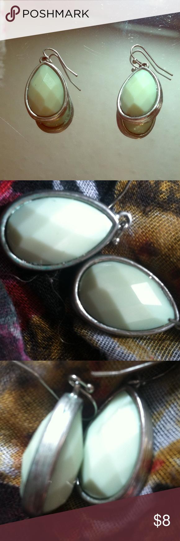 Green mint tear drop earrings 🌸pretty green mint colored earings Jewelry Earrings