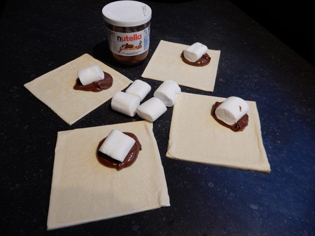 Bladerdeeghapjes met Nutella en Marshmallows - RECEPT - Burgertrutjes
