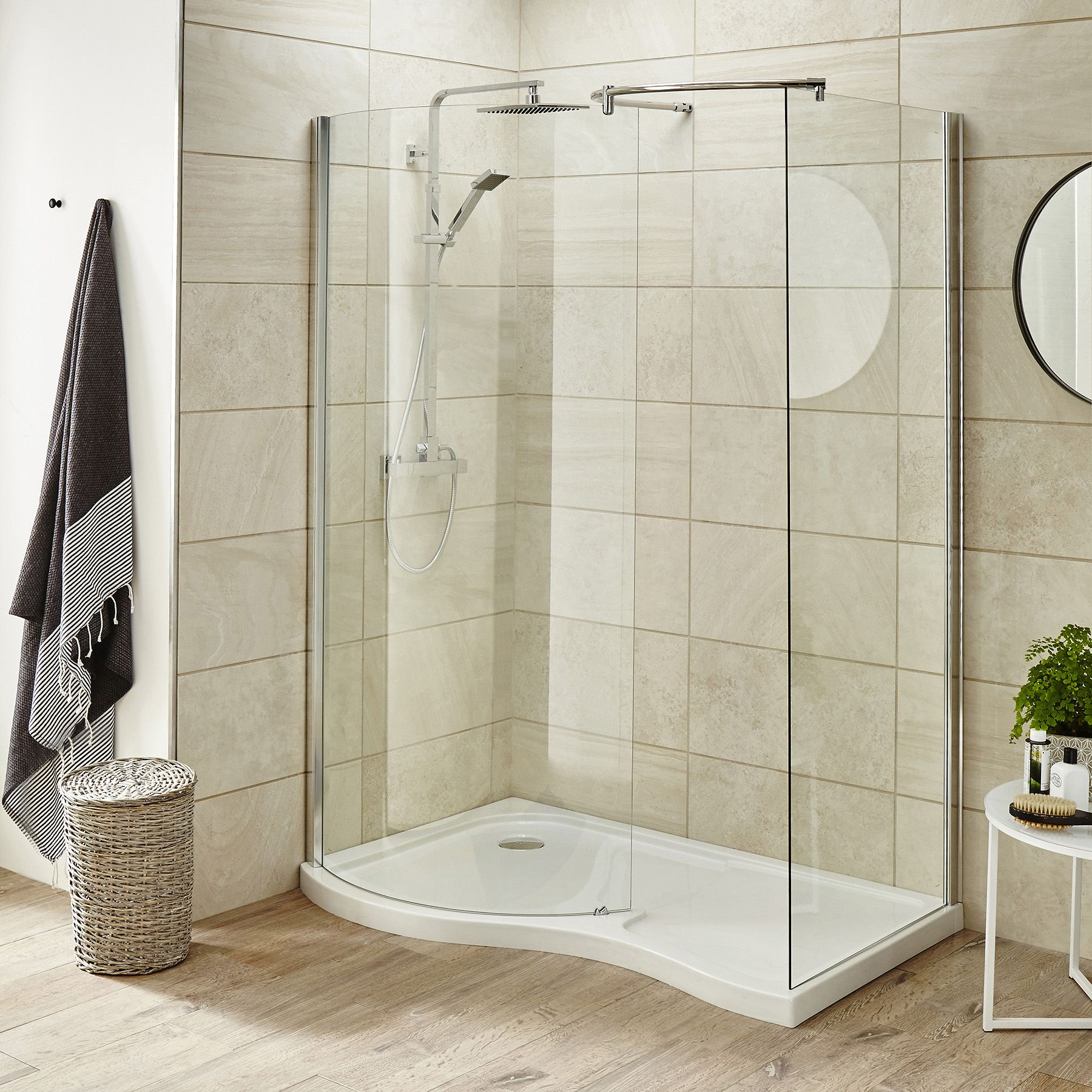 Pacific 6mm Curved Walk In Enclosure 1400 X 900mm With Shower Tray