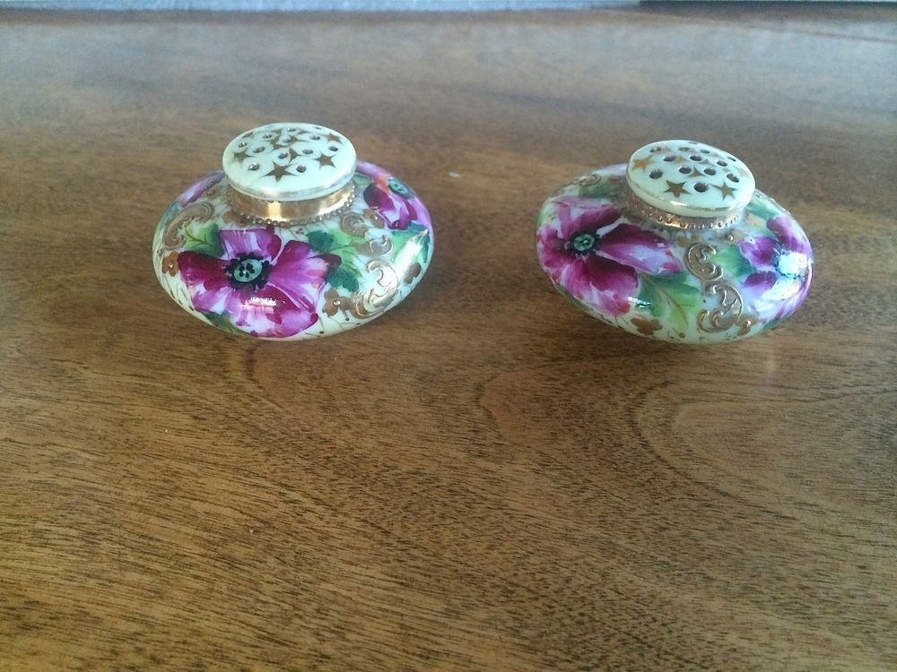 ANTIQUE NIPPON PINK ROSES HAND PAINTED MORIAGE SALT & PEPPER SHAKERS