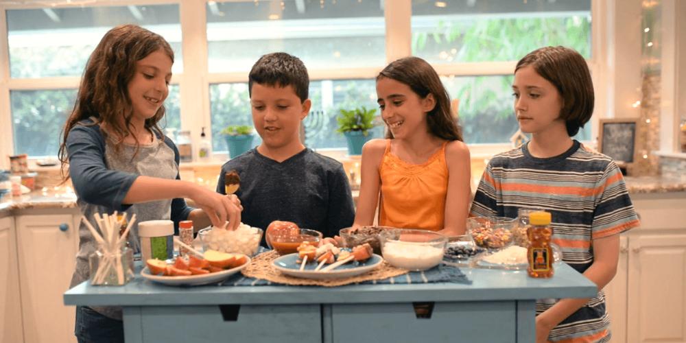 The 2019 Quick Guide to Celebrating Rosh Hashanah With Kids | PJ Library #roshhashanah The 2019 Quick Guide to Celebrating Rosh Hashanah With Kids | PJ Library #roshhashanah