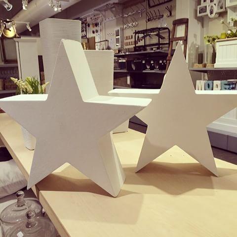 Vi har endelig fått inn stjerner som dekorasjon 🌟✨ #stars #stjerner #bohus #bohusnorge #bohustromso