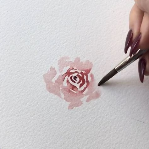 One of my most often requests is to paint loose roses, so I thought I would make an extended version of this tutorial from my wreath I… #easywatercolorpaintings