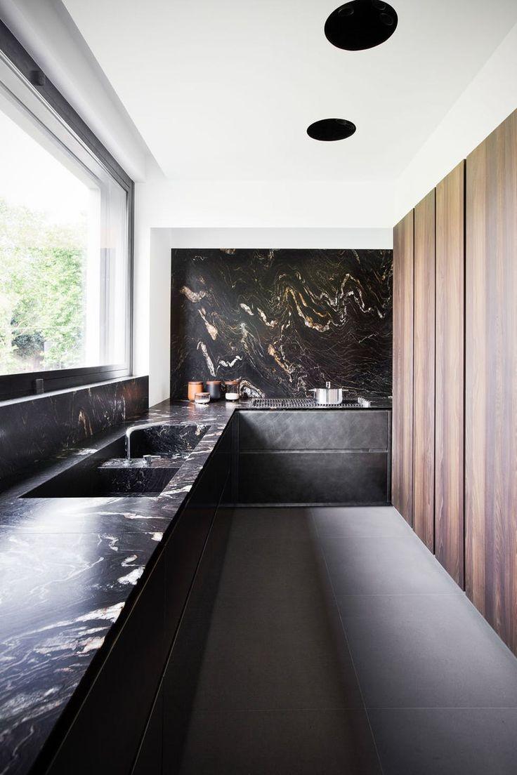 Photo of Cucina in marmo completamente rivestita