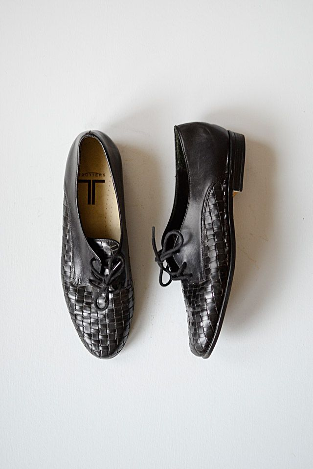 vintage inspired black woven lace up oxfords