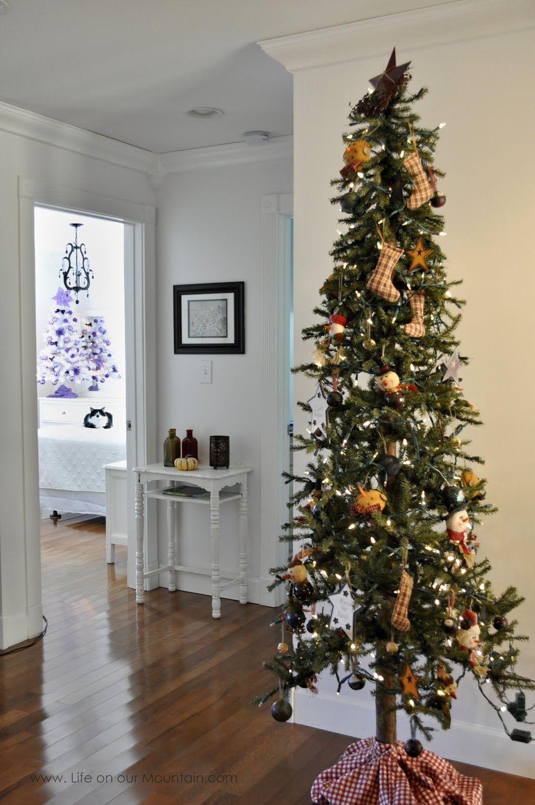 Skinny Primitive Christmas Tree With Handmade Ornaments Takes Up Virtually No Space Skinny Christmas Tree Pencil Christmas Tree Country Christmas Trees