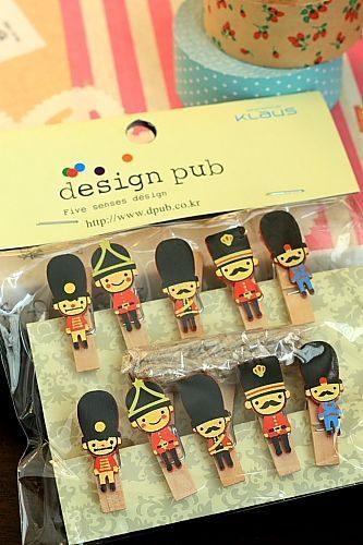 This is super cute wooden clip set