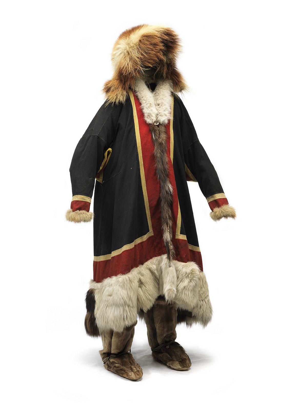Shamandragt fra Nenet i det centrale Sibirien - Shaman costume from Nenets in central Siberia | National museum, Copenhagen Demark