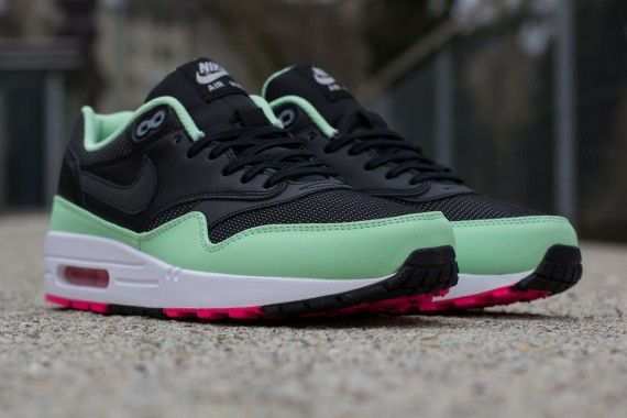 nike air max 1 yeezy mint