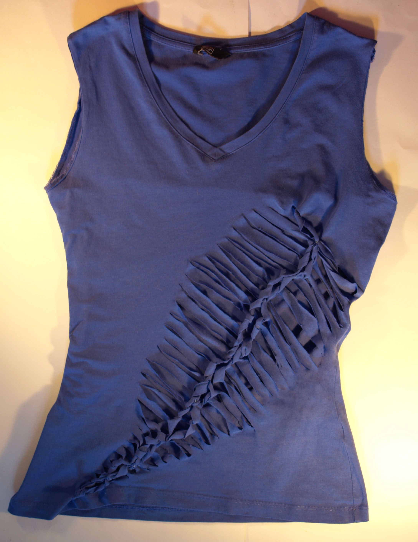 Diy No Sew Shredded T Shirt Feather Design T Shirt Diy Clothes