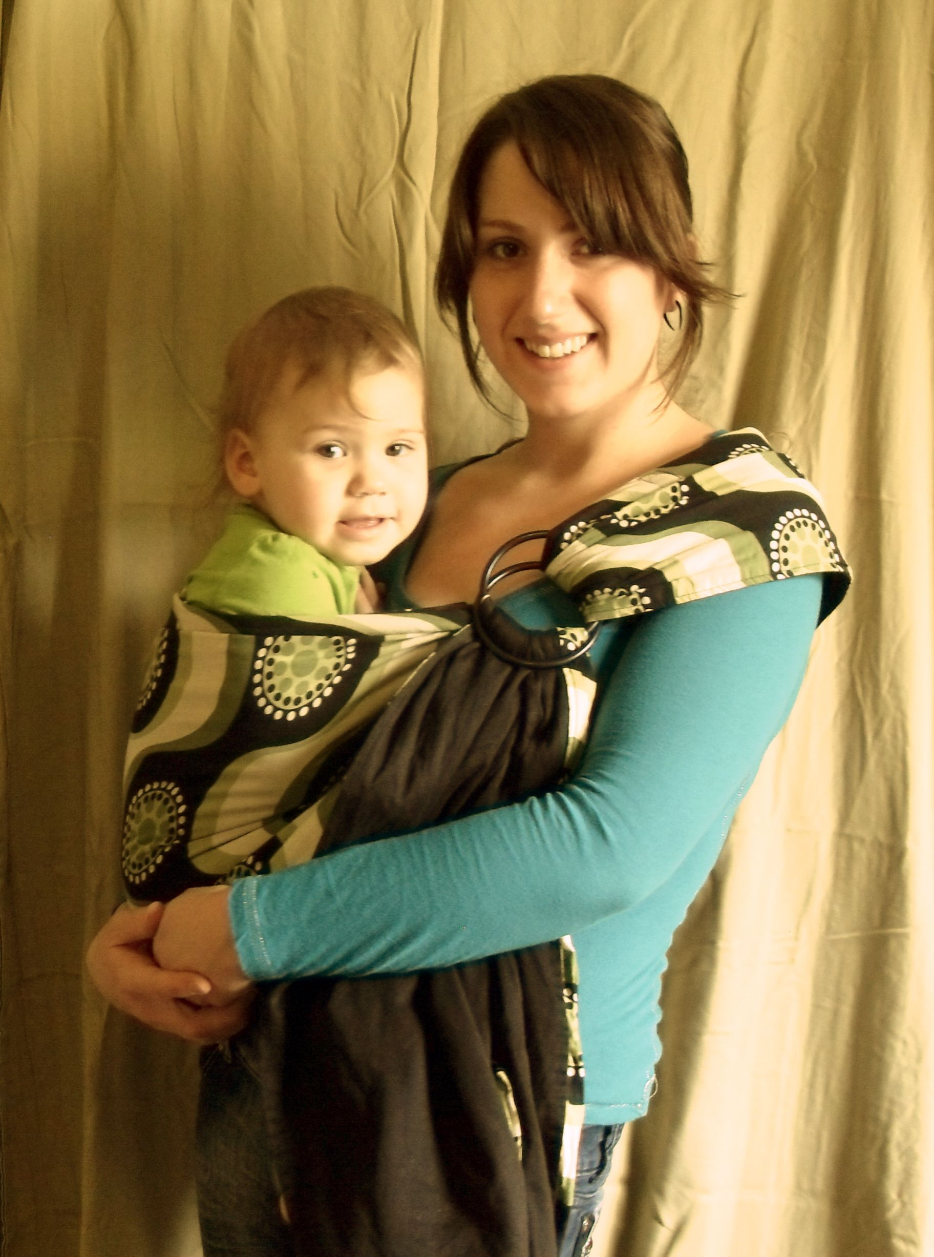 Wear Your Baby: The Benefits of Baby Slings and How to wear a ring sling.