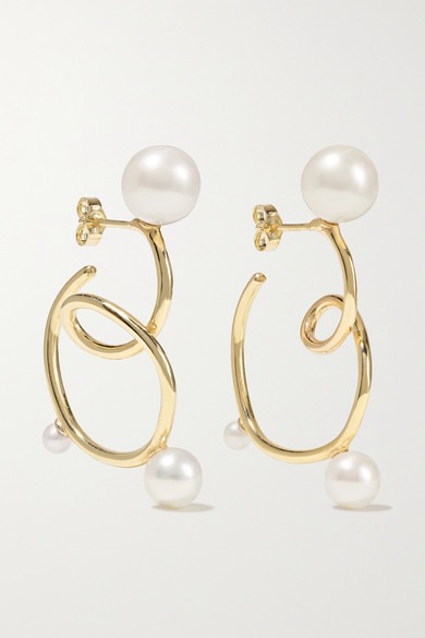Gold Buoy Ohrringe Aus 10 Karat Gold Mit Perlen Sarah Sebastian In 2020 Modern Pearl Earrings Gold Pearl Earrings Pearl Earrings