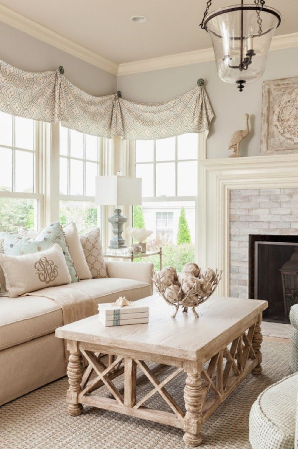 Gorgeous 45 French Country Living Room Design Ideas https ...