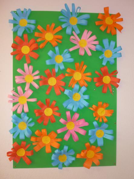 Fleurs en papier bandes de papier contour et la bande - Fleurs printemps maternelle ...