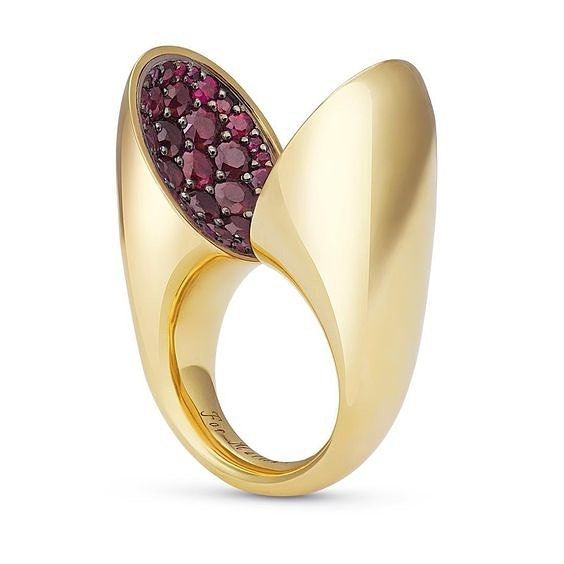 A gold ring with rubies  by VRAM Jewelry    jewelry inspirations     A gold ring with rubies  by VRAM Jewelry