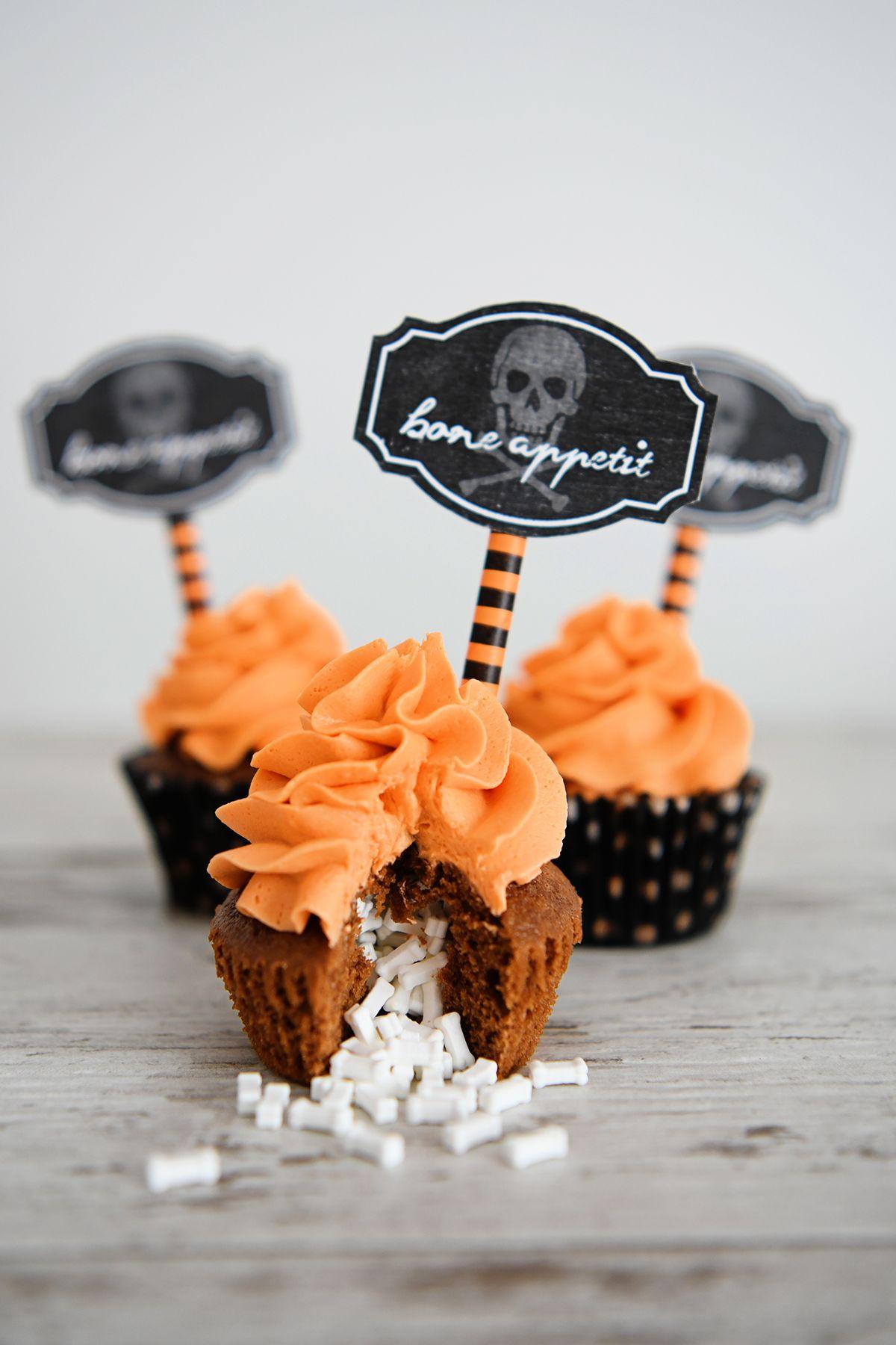 Candy Filled Halloween Cupcakes | Eighteen25