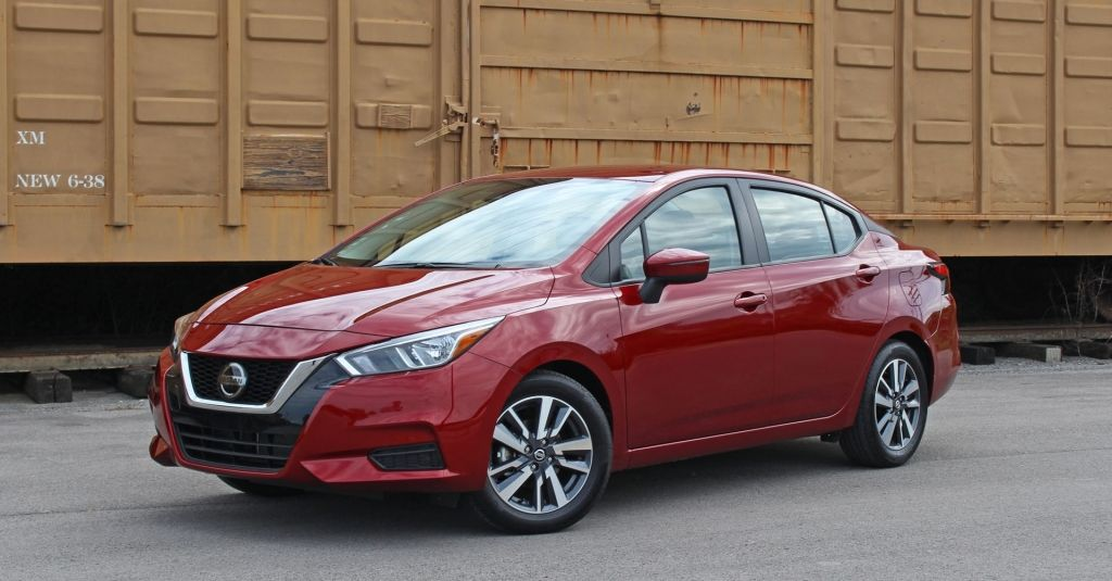 Best Of 2020 Nissan Versa Sr Interior And Review Di 2020
