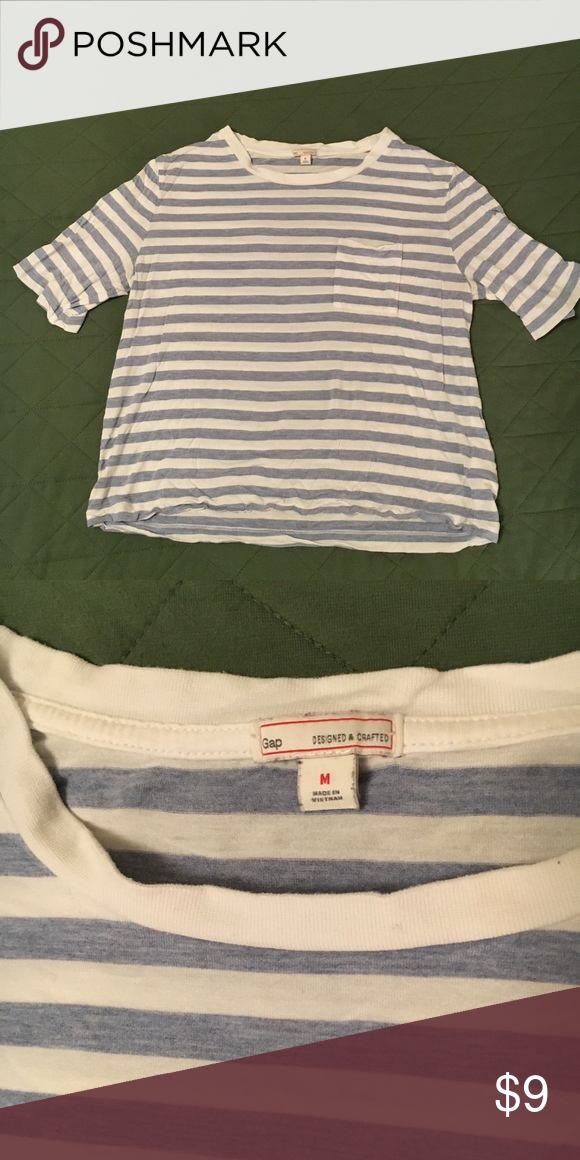 6a5b55d2e44 Periwinkle striped cropped tee Cute GAP top size M. Features heathered  periwinkle stripes and one