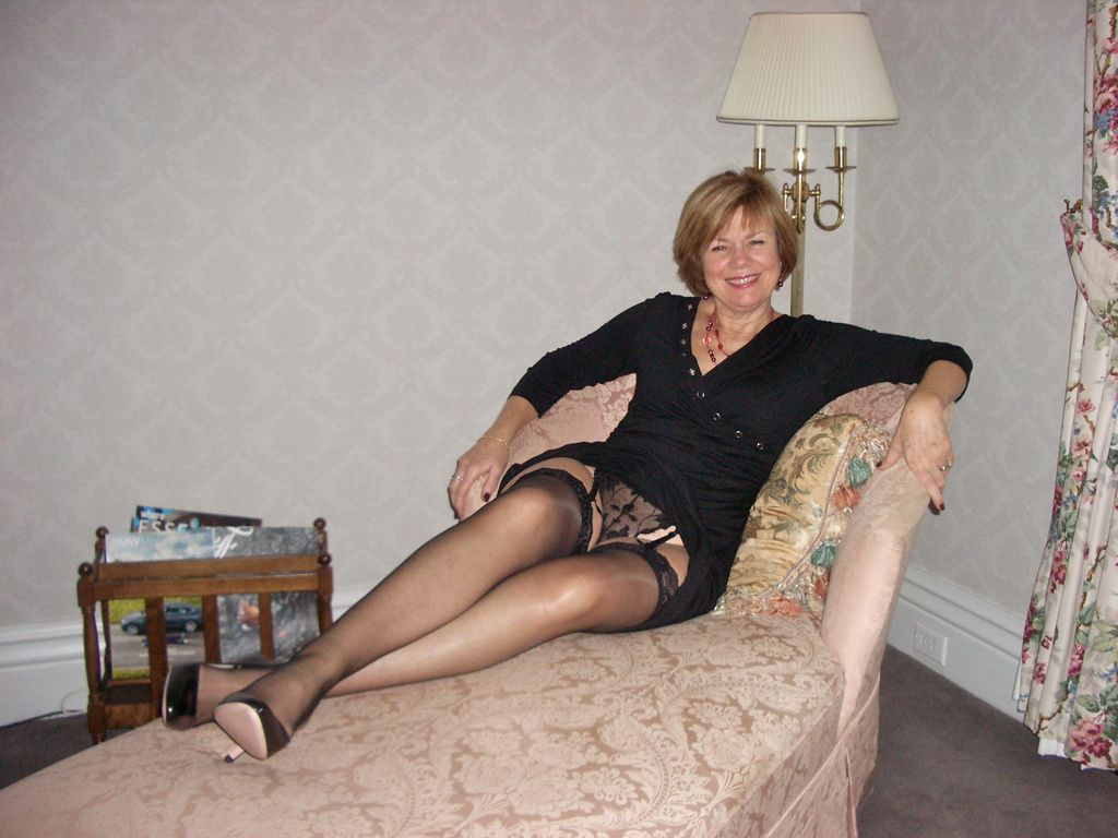 amateur wife stockings