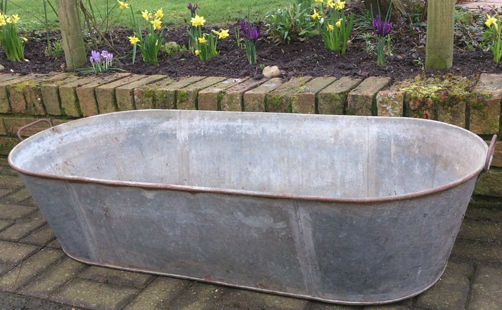 Vintage Large Galvanised Tin Bath