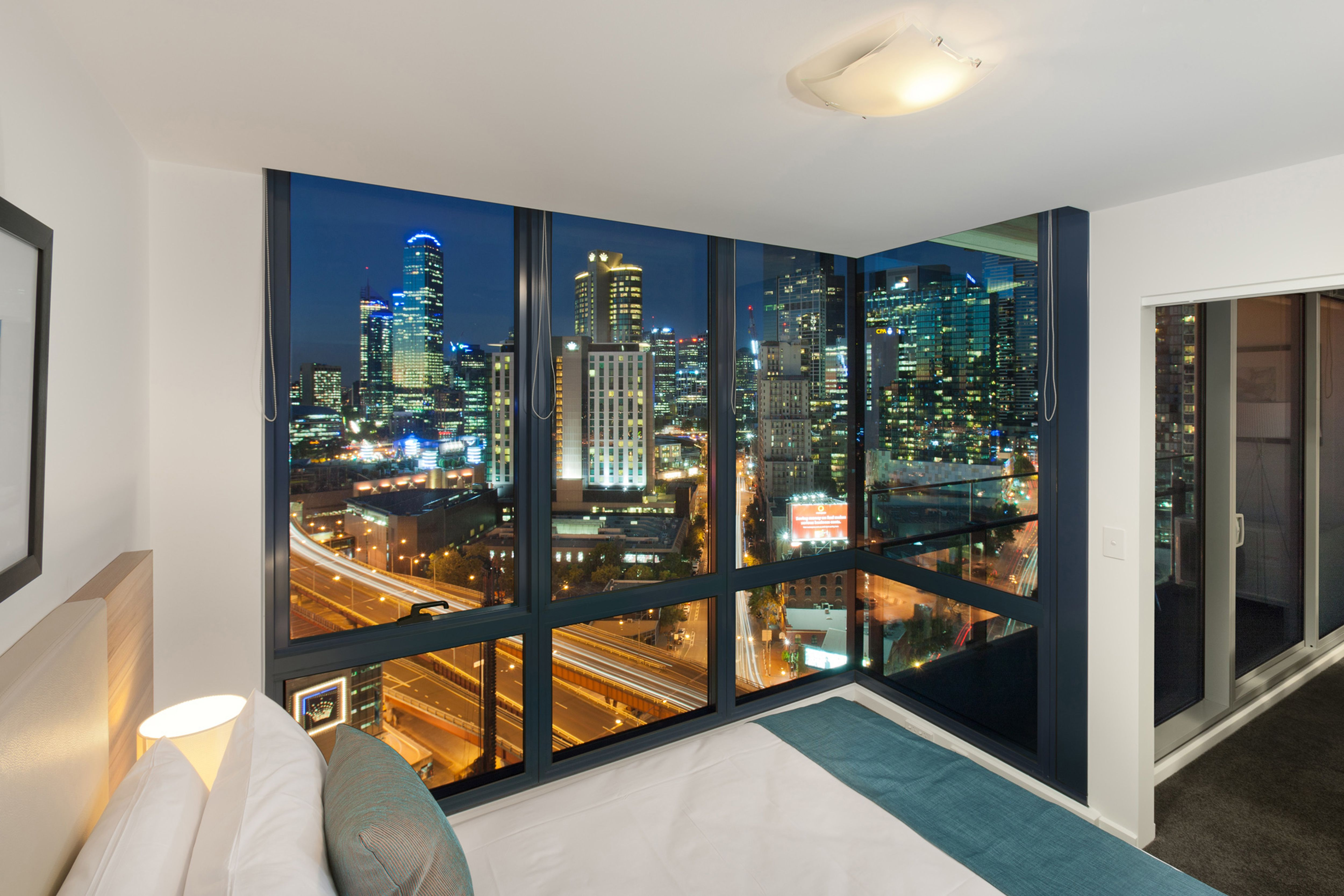 melbourne short stay apartments mp deluxe home country rh pinterest com