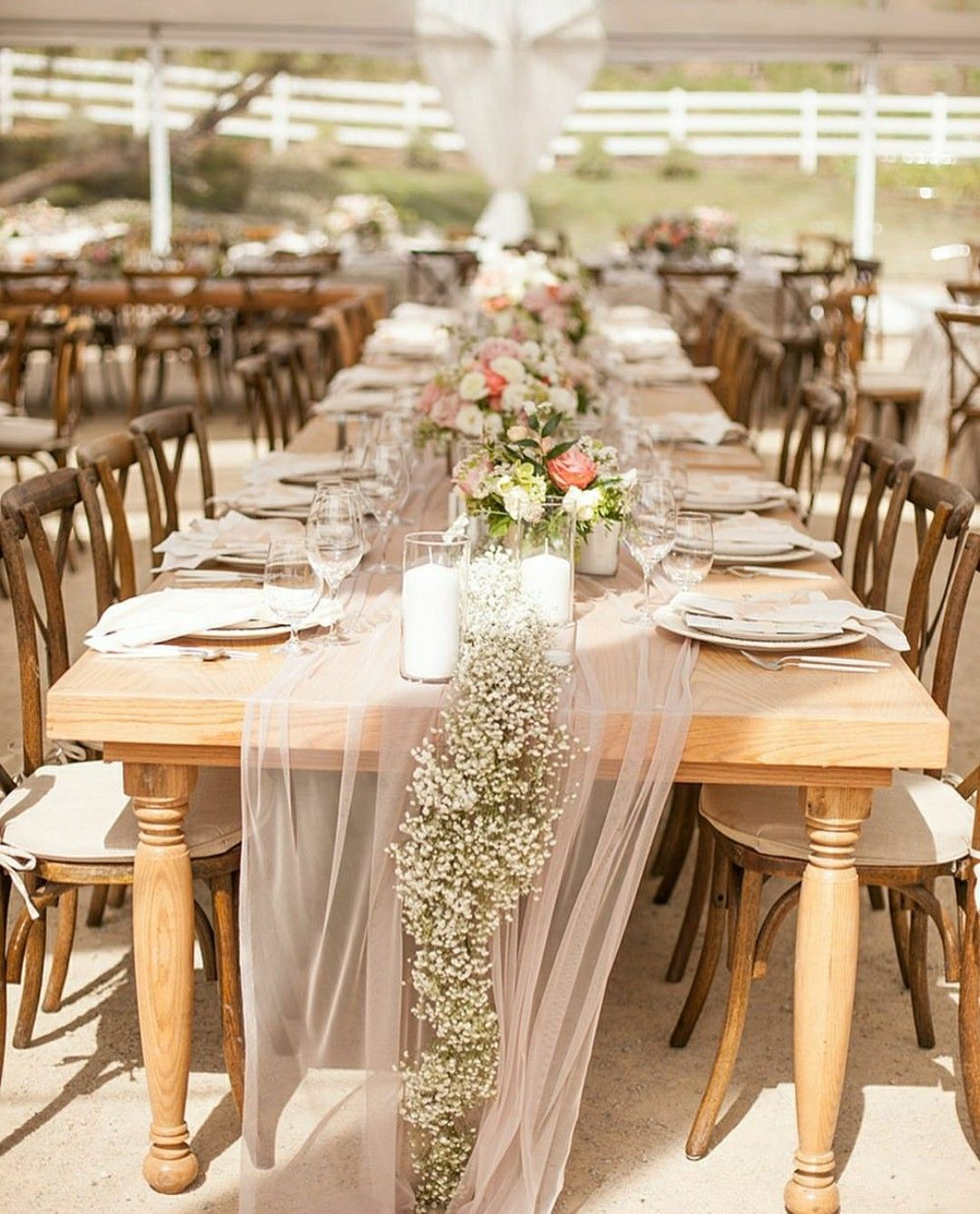 7 Barn Wedding Decoration Ideas For A Spring Wedding: Timeless Colors For A Summer Wedding