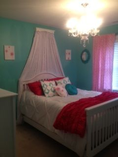 Tiffany Blue Walls Hot Pink Accents Chandelier Princess Room S Bedroom