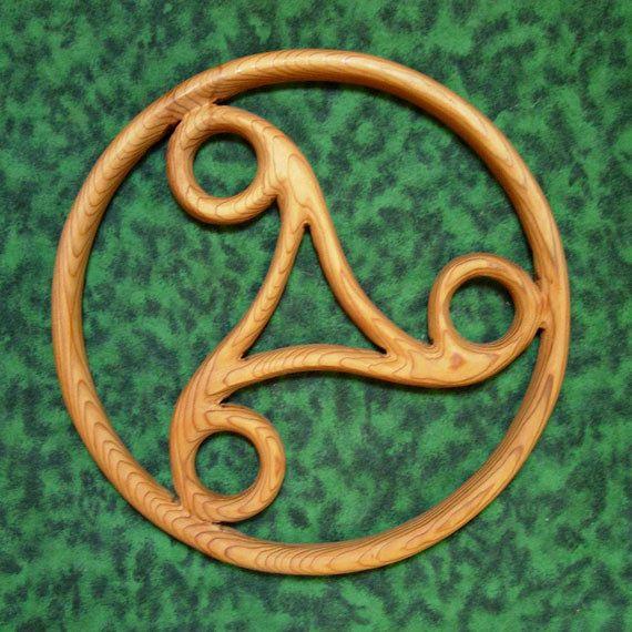 Triskele Perpetual Motion Celtic Bois Sculpture Cycle De Vie Mort