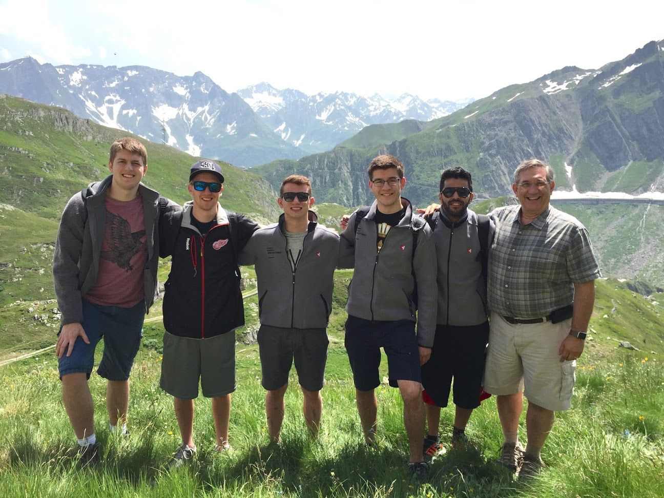 Professor and director of CIS Paul Leidig, with students from GVSU and a university in Switzerland. Swiss summer exchange. Busy studying #CloudComputing @ZHAW and #MobileApplicationDevelopment @GVSU http://gvsu.edu/s/VC  #GVSUCIS