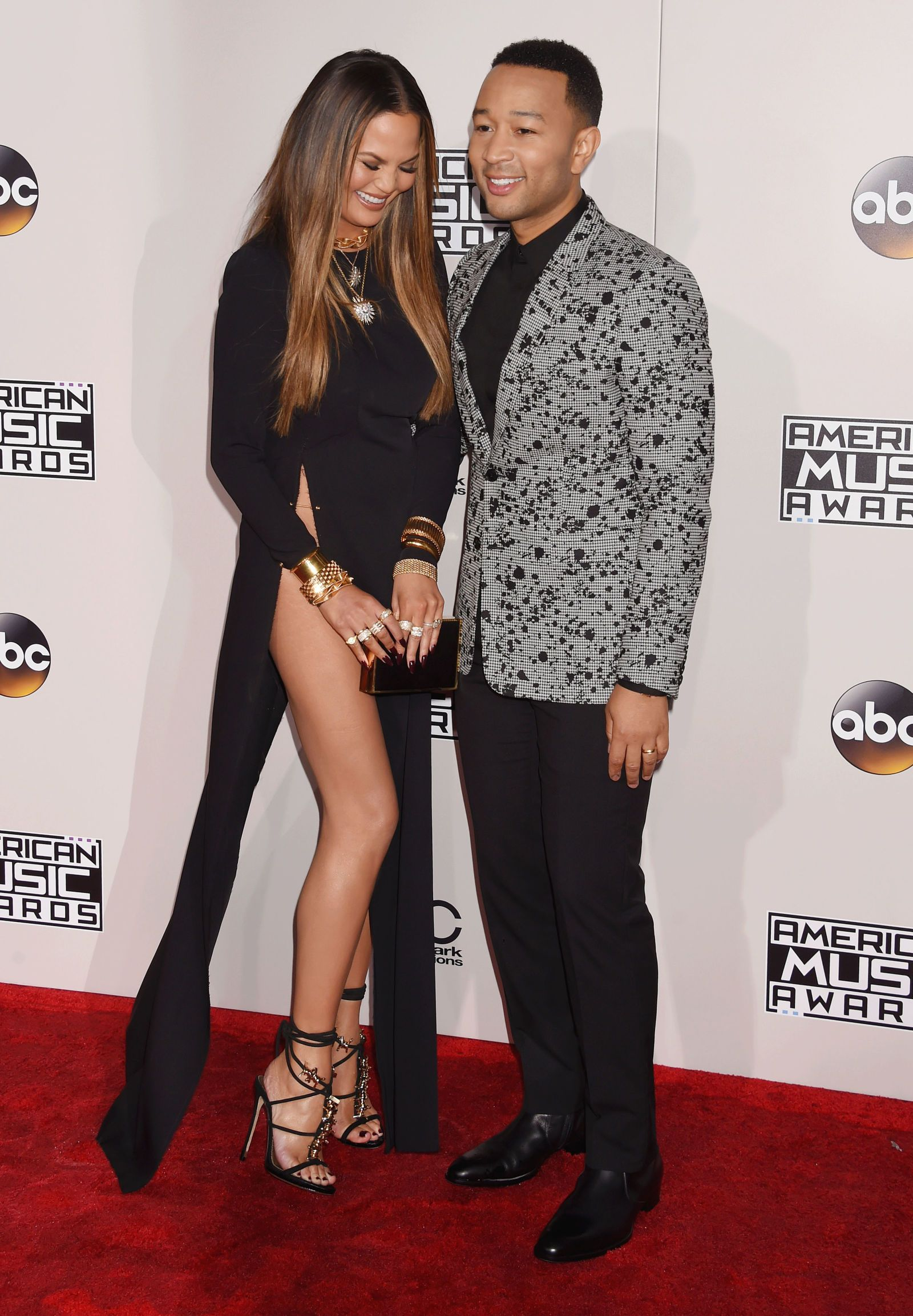 "Chrissy Teigen Apologizes to Anyone ""Harmed Mentally or Physically ..."