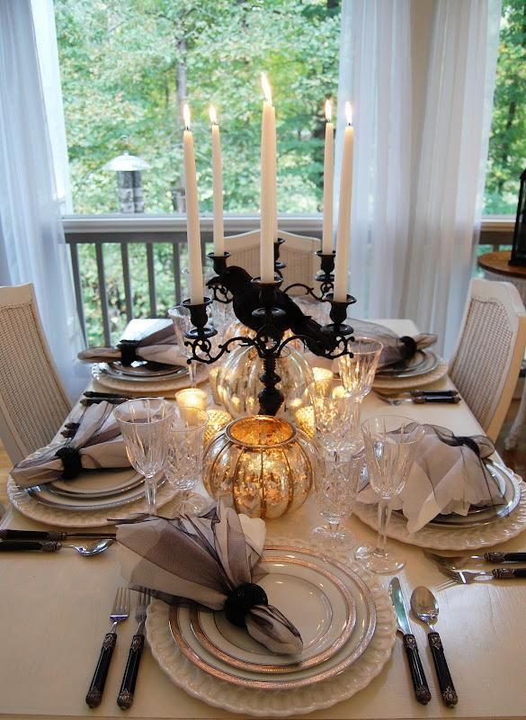 IDEAS & INSPIRATIONS: Elegant Haunting  Halloween Tablescape - Halloween Table Decorations