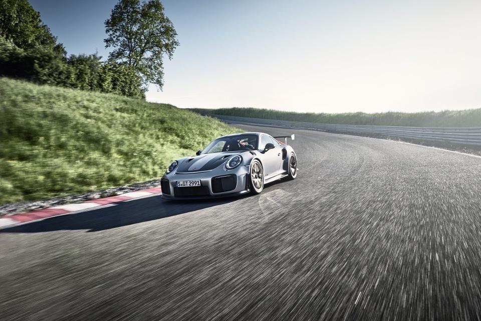 Cuando un 500HP Porsche GT3 RS no es suficiente: Meet The 700 HP $ 293.000 Porsche GT2 RS
