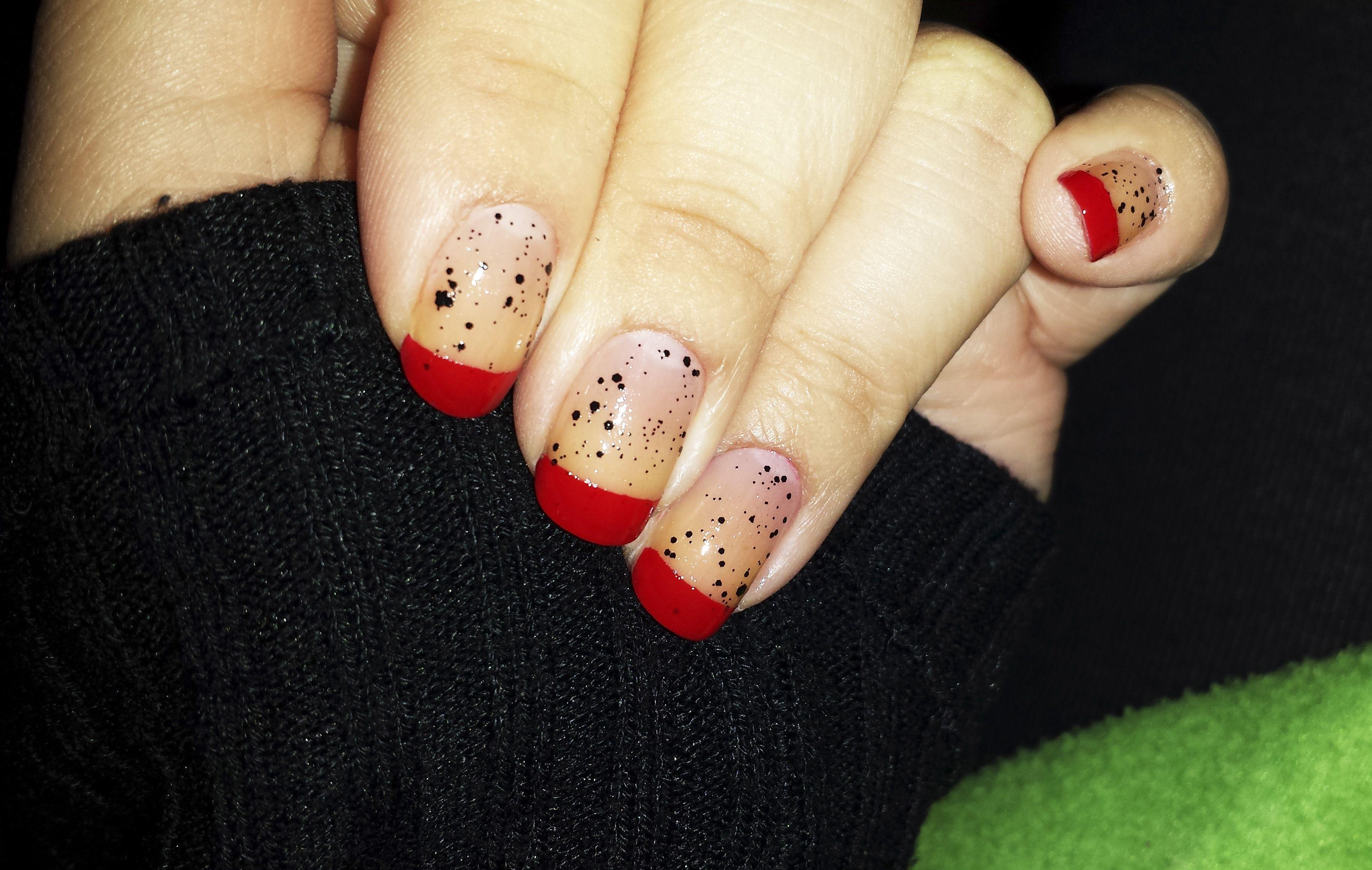 puntas rojas + manchas