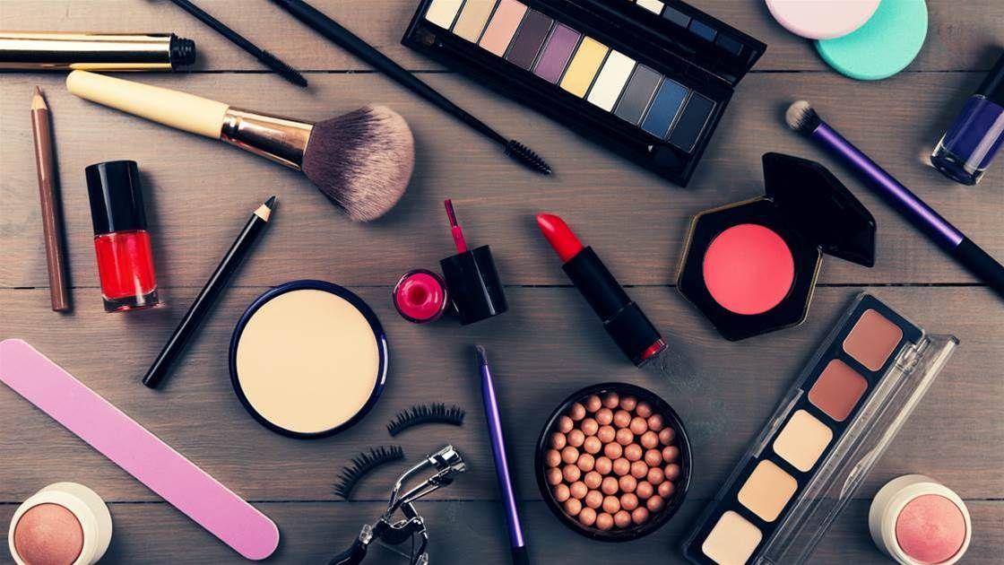 10 Makeup Tricks That Hide Wrinkles Makeup cosmetics