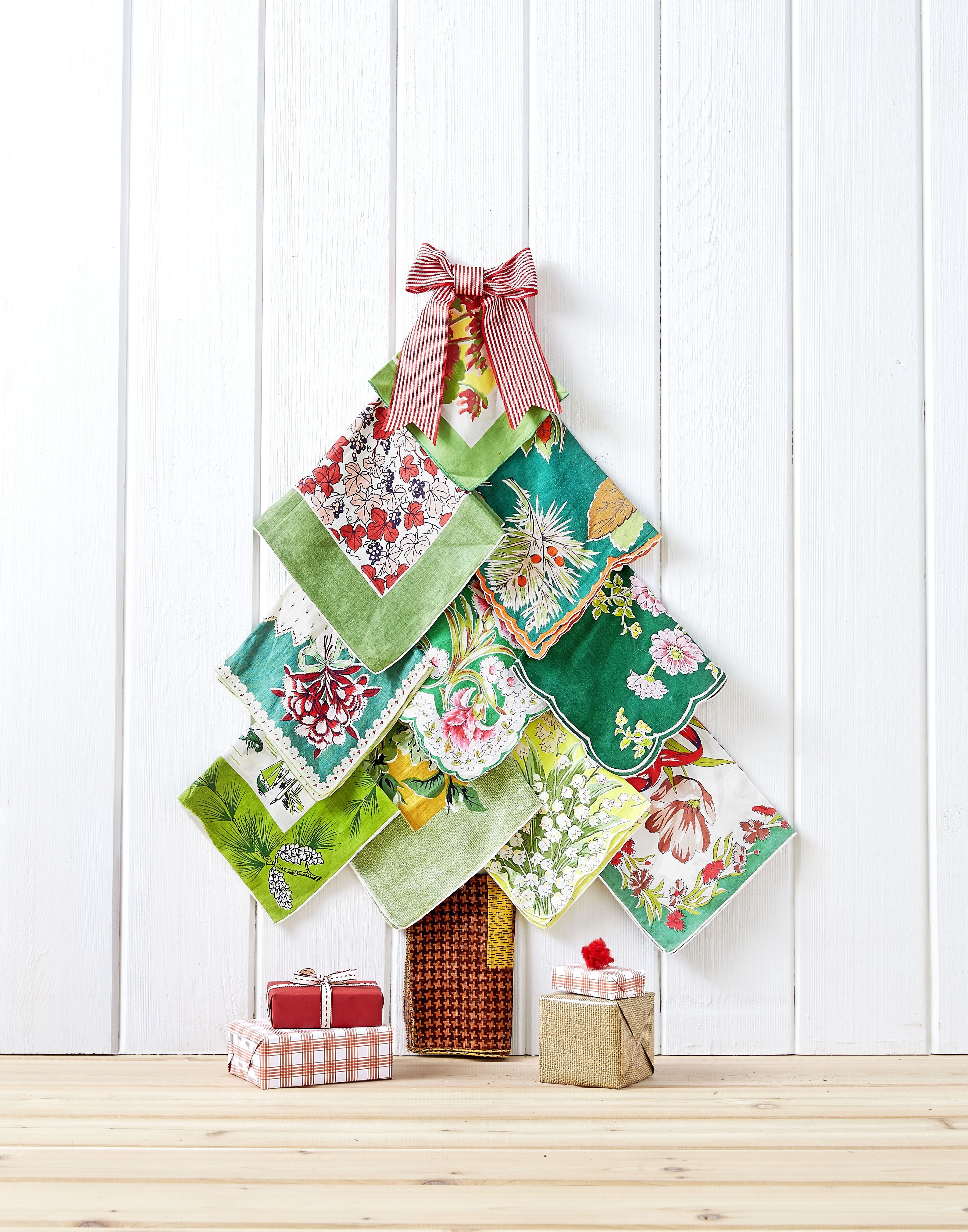 39 Easy Christmas Crafts for Adults to
