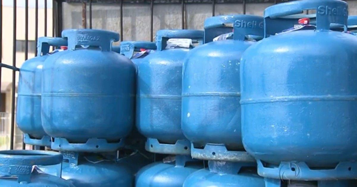 Gás de cozinha terá aumento de 15% a partir de terça, diz Petrobras
