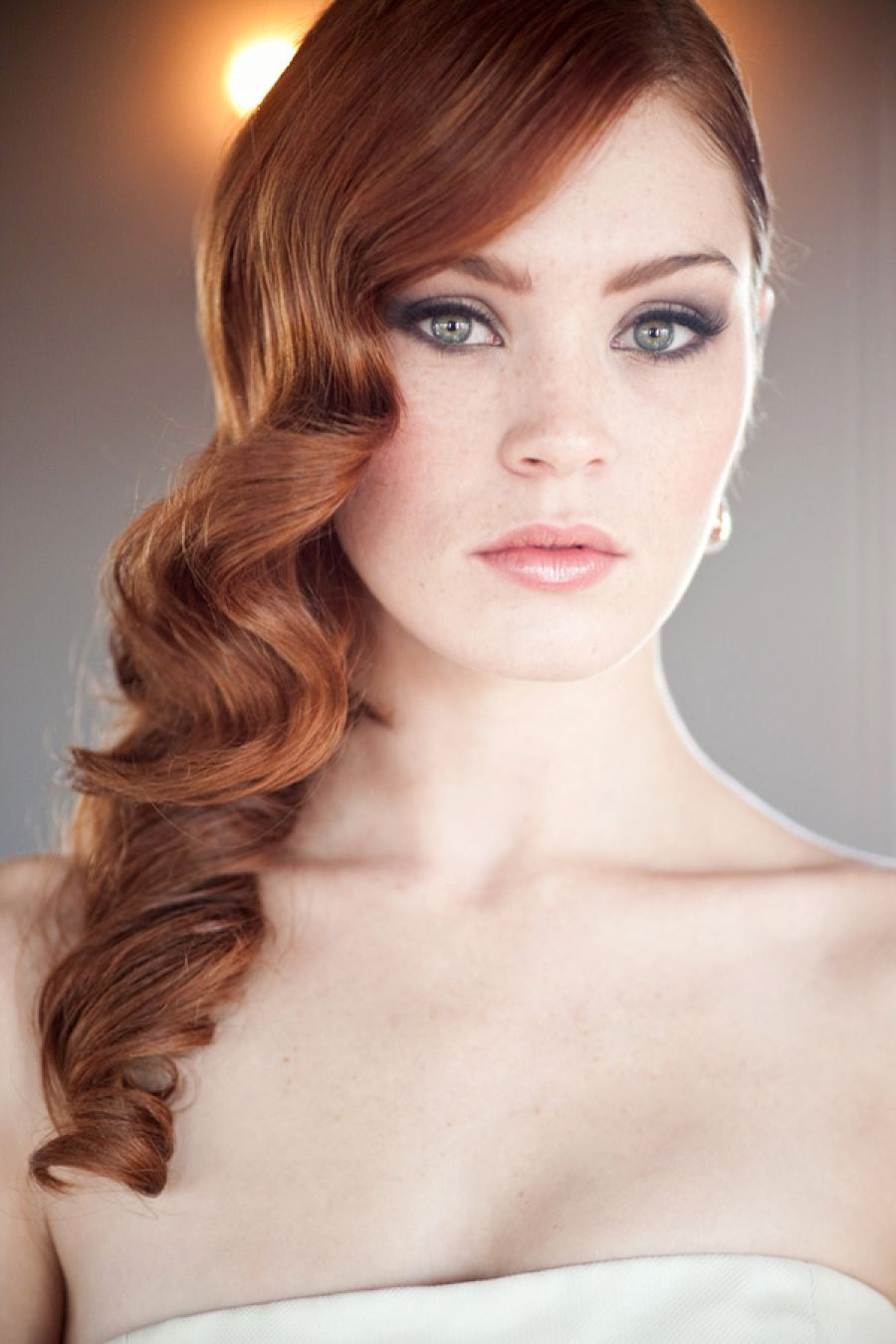 Makeup Tips For Redheads Isla Fisher Red Hair Natural Light And Bright Bridal Feel Beautiful With These