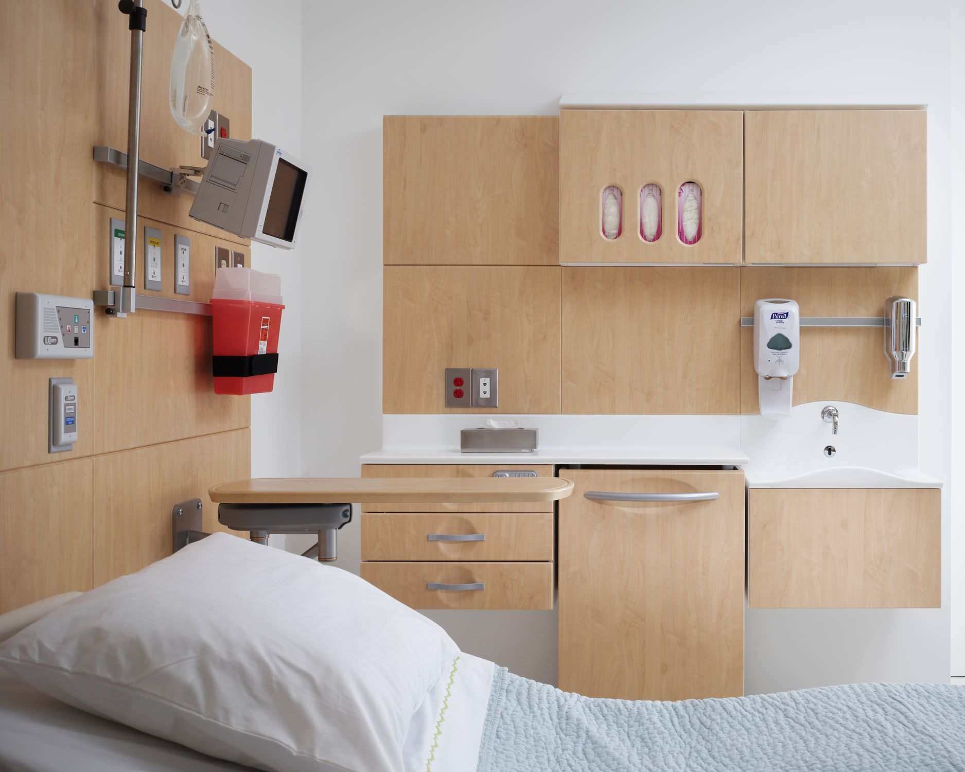 Patient room by Compass System. Room, Living