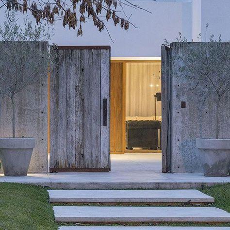 Detalles matias goyenechea arquitectos letis garage en - Entradas rusticas ...