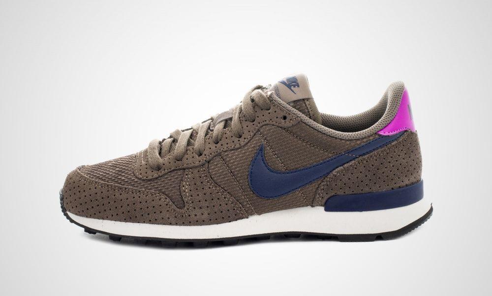 Nike Wmns Internationalist Premium Brown Pink 828404 200 43einhalb Sneaker Store Nike Internationalist Nike Sneaker Stores