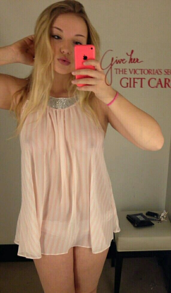 Sexy Girl Changing Room Video
