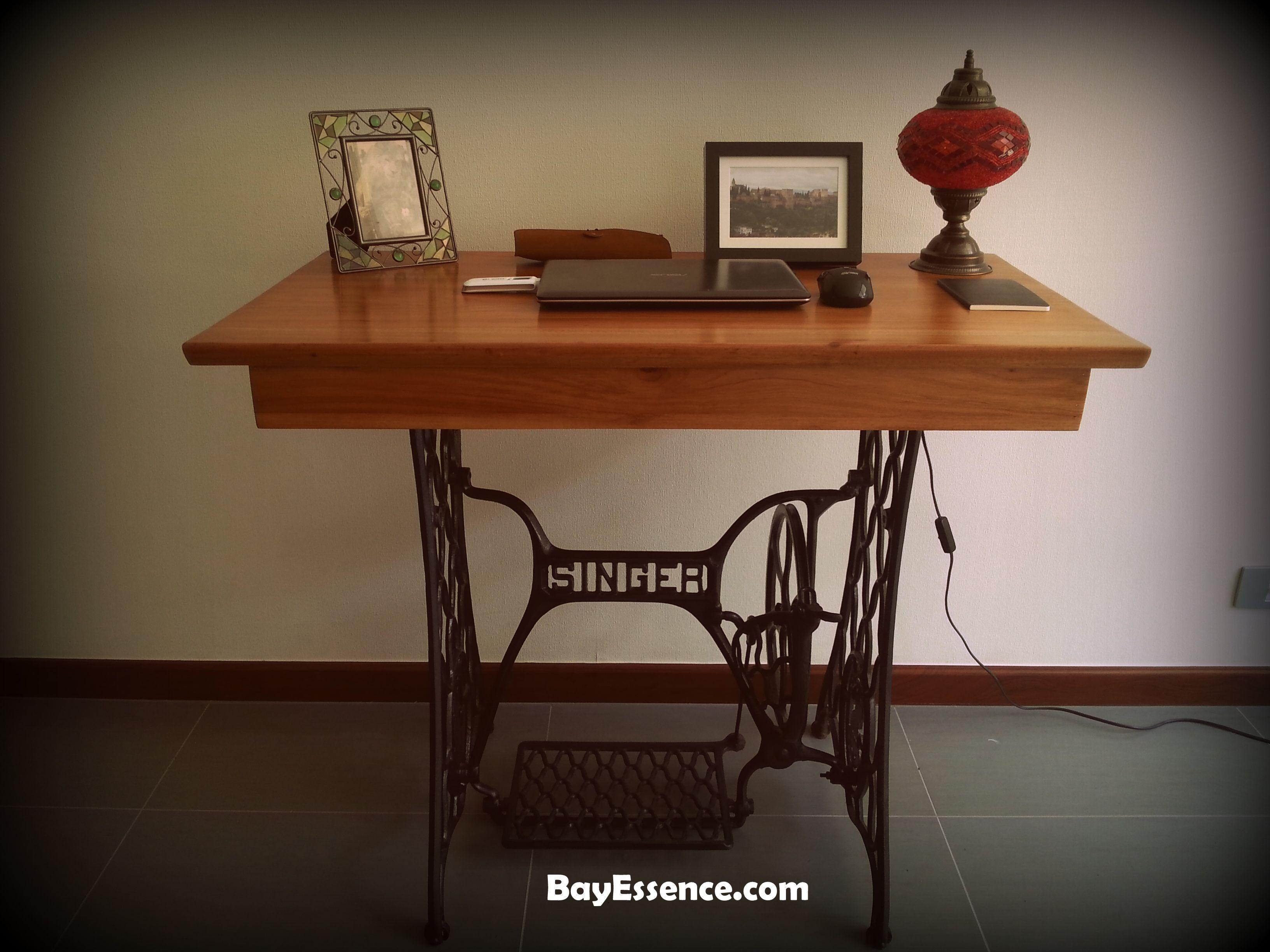 Escritorio en m quina de coser muebles de reciclaje en for Muebles de escritorio