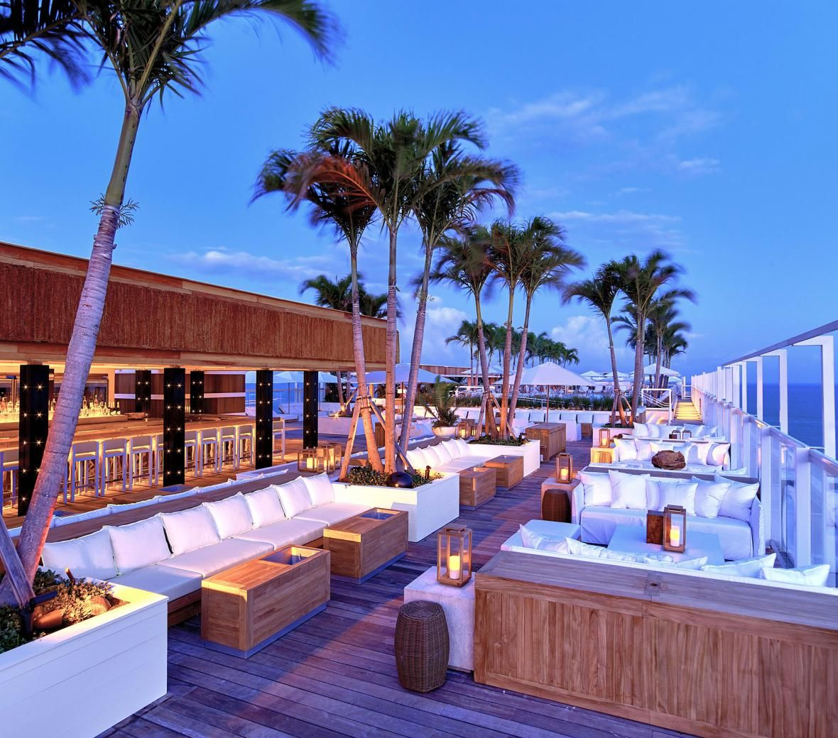 1 Hotel South Beach Gallery 1 Hotels In 2020 Best Rooftop Bars Grand Beach Hotel Rooftop Design
